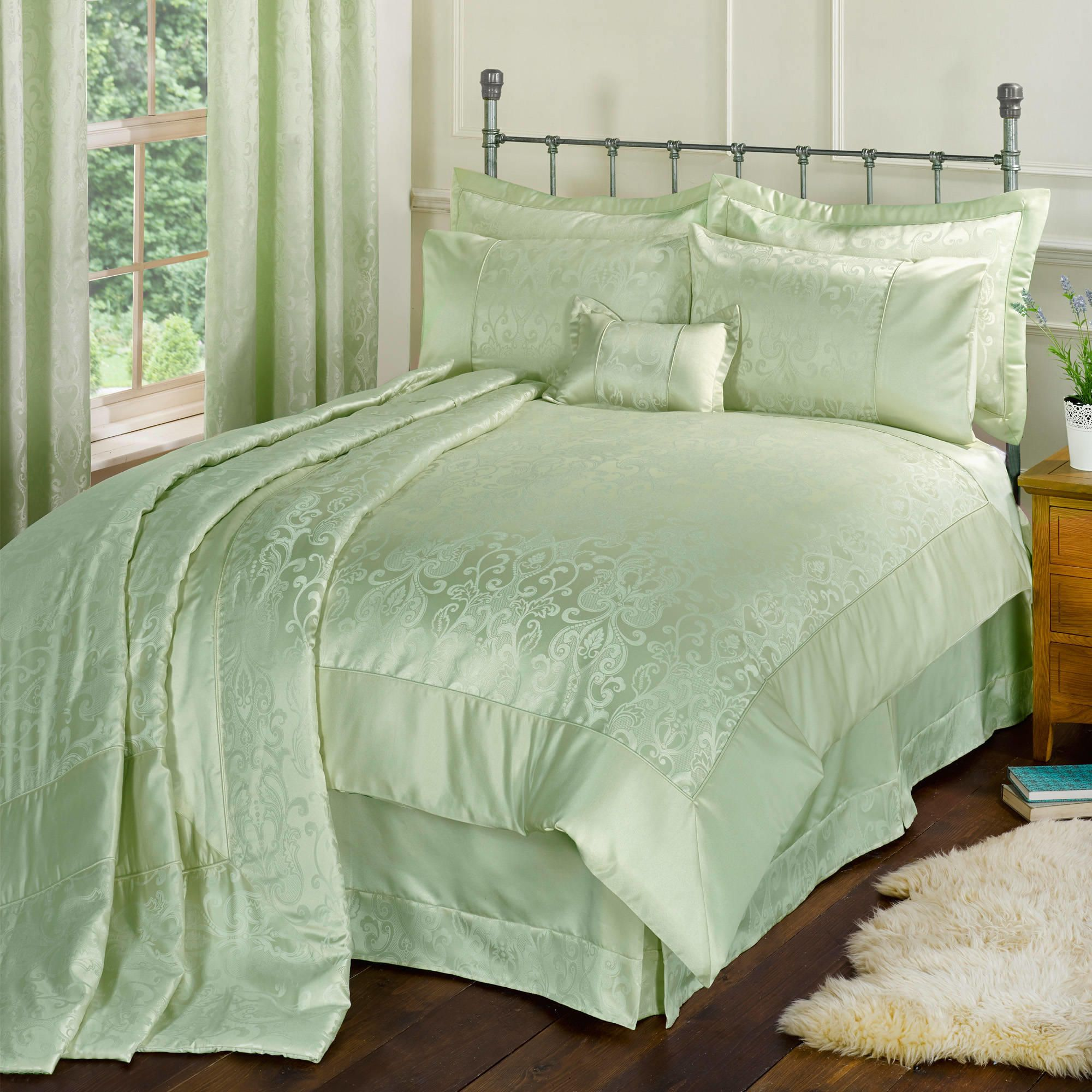 Duvet and comforter covers should be the centerpiece in any bedroom. Choose one that reflects your unique personality and style. Think about how much time .
