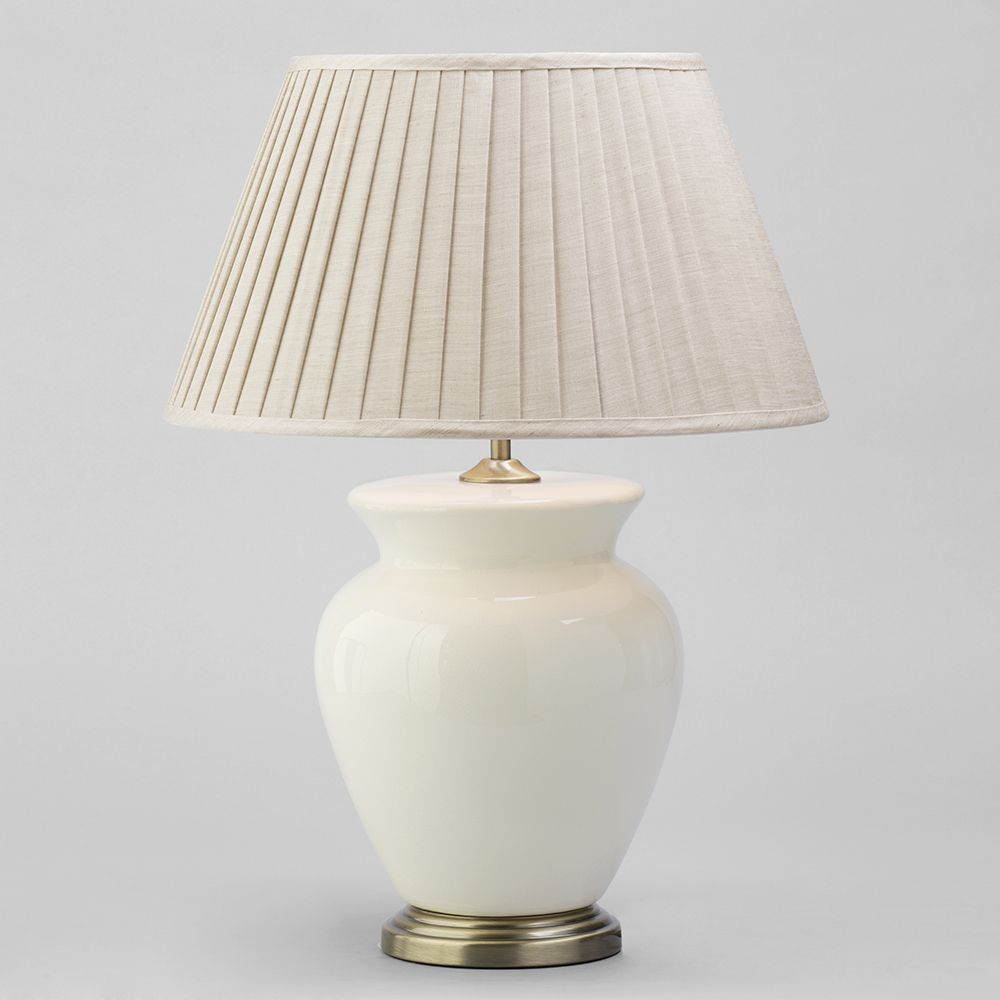 1 Light Traditional Table Lamp With Cream Pleated Shade