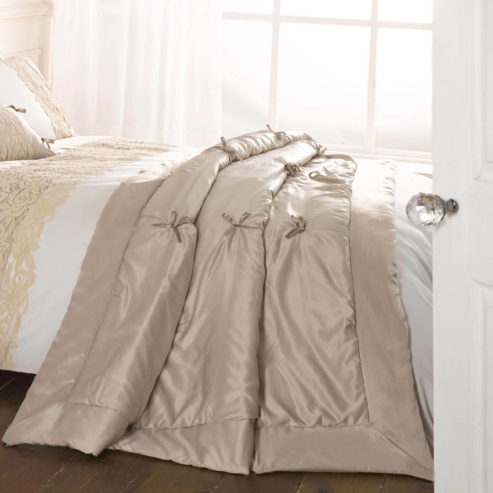 Pillows & Bed Coverings Jenna Ribbon Throw - Latte