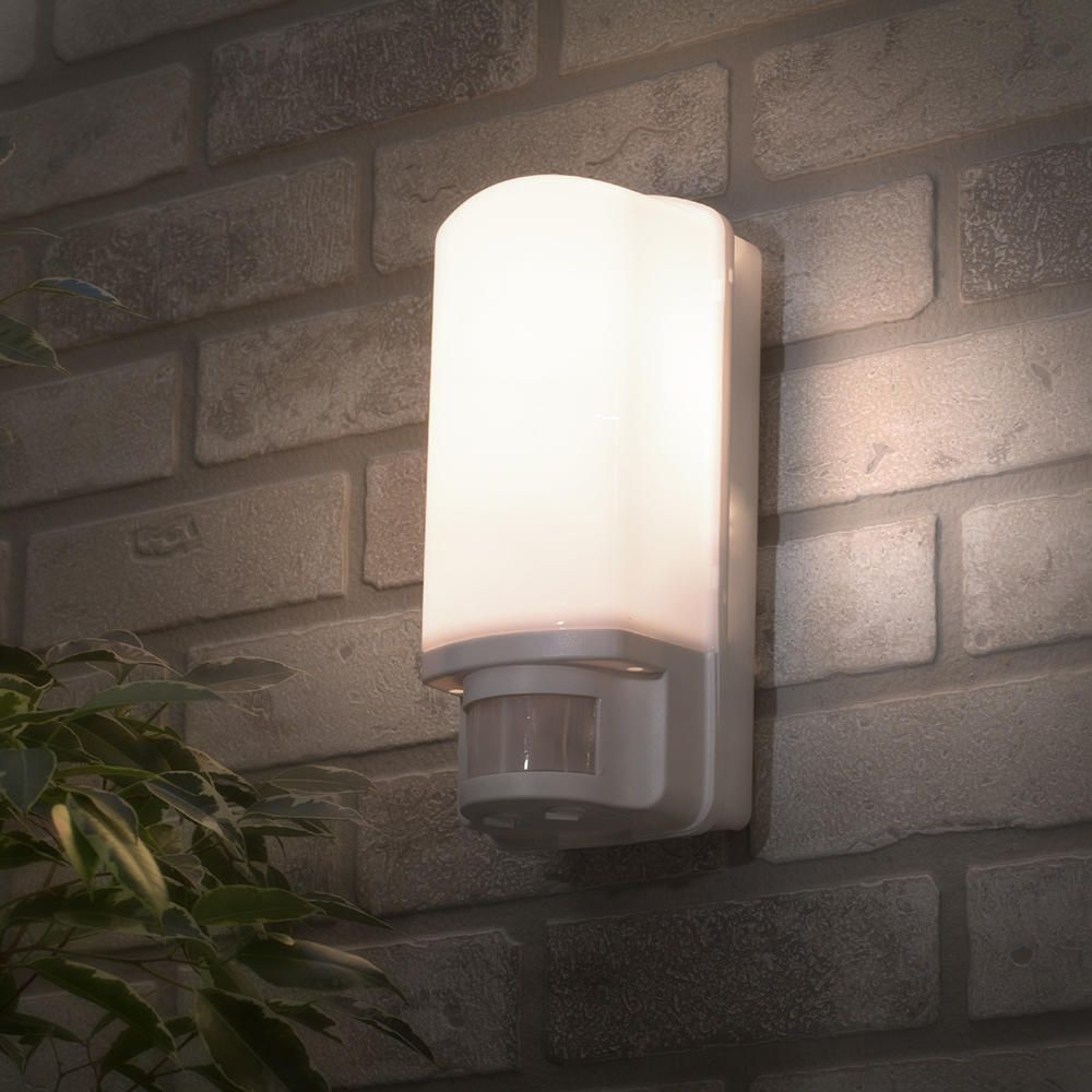 Philips Dakar Outdoor Wall Light With Security Sensor