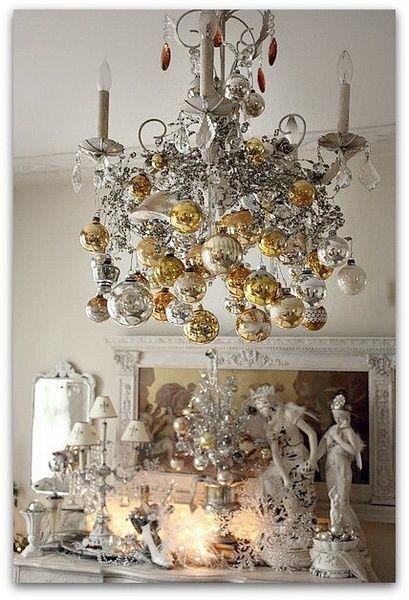 3 Ways to create a Festive Chandelier this Christmas