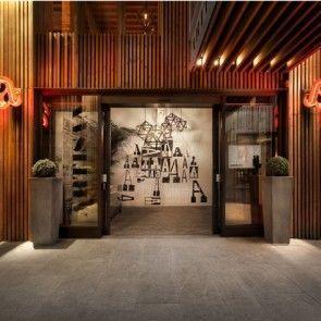 Artisan's Natural and Black Interior Inspiration