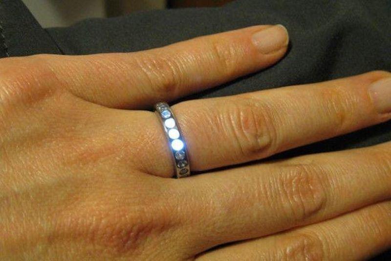 LED-lightup-ring-1-min