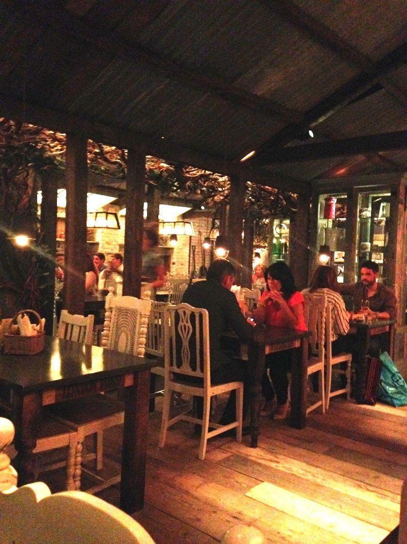 007-Restaurant-Area-min