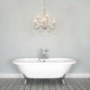 A guide to bathroom chandeliers