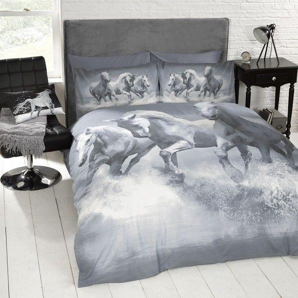Heritage Style Lighting Galloping Horses Double Duvet Set