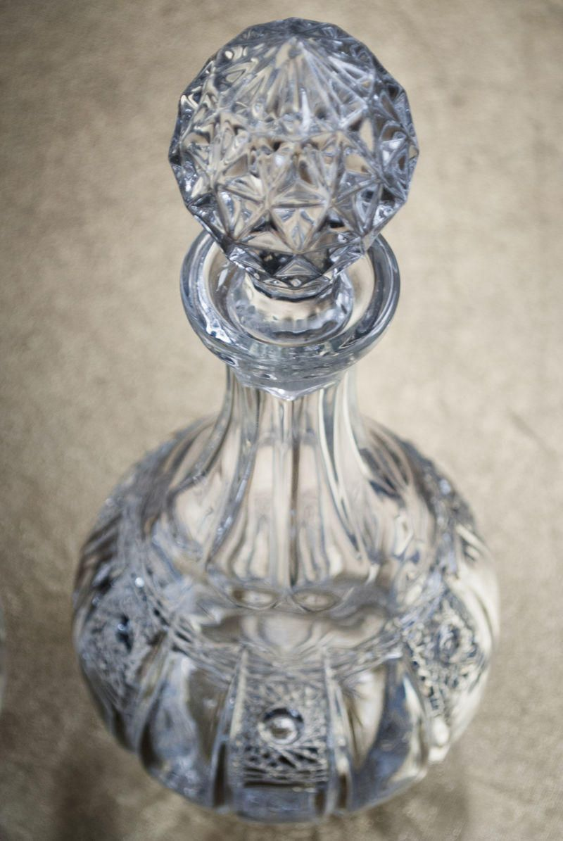 1 Light Glass Decanter Table Lamp - Clear
