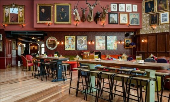 Cosy Club Interior