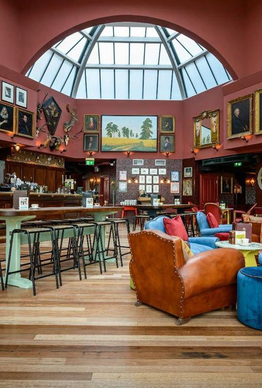 Cosy Club Interior Bar