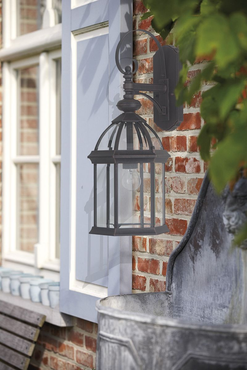 4 tips to decorate your garden for Christmas with lighting - lanterns