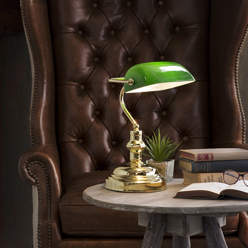 Traditional Banker Table Lamp in Green